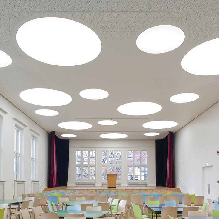 Aula-Decke Paulsen Gymnasium Berlin