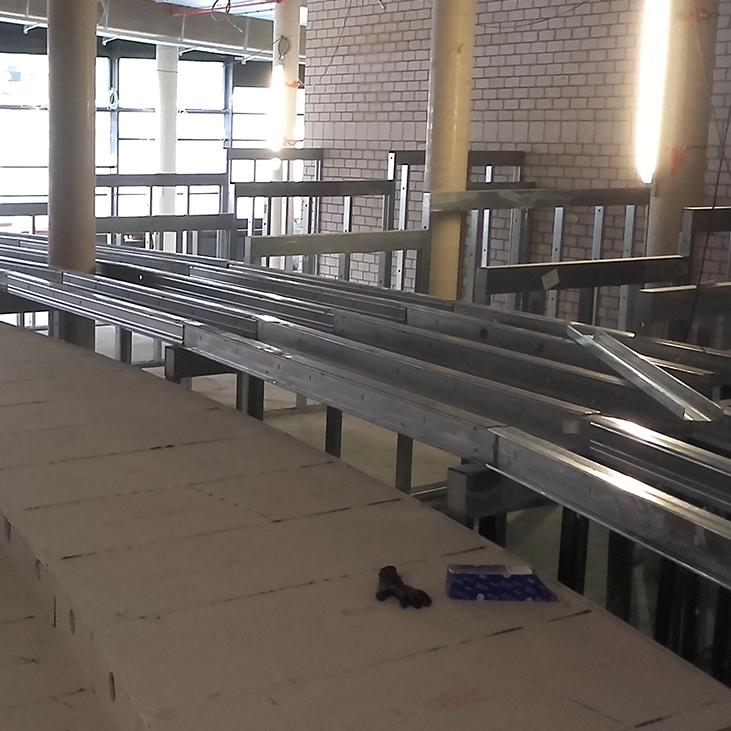 Bühnenbau mit Protektor Stahlleichtbauprofile edificio