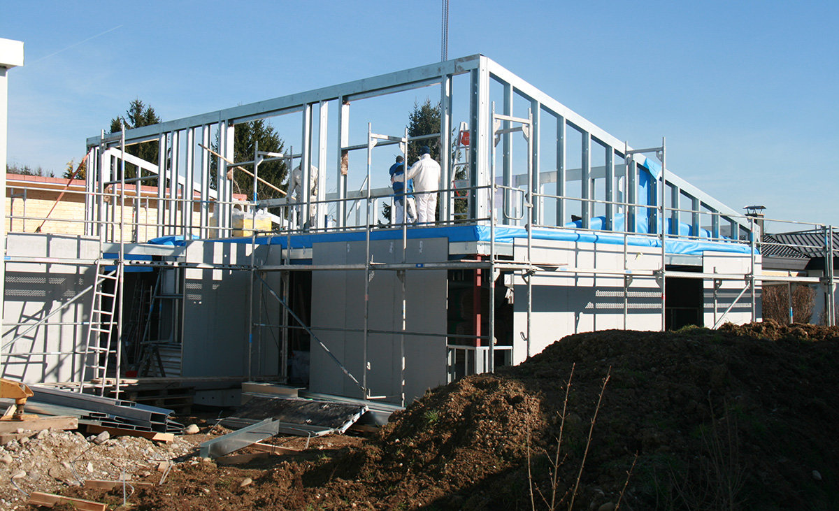 Ein Einfamilienhaus in Stahlleichtbauweise entsteht
