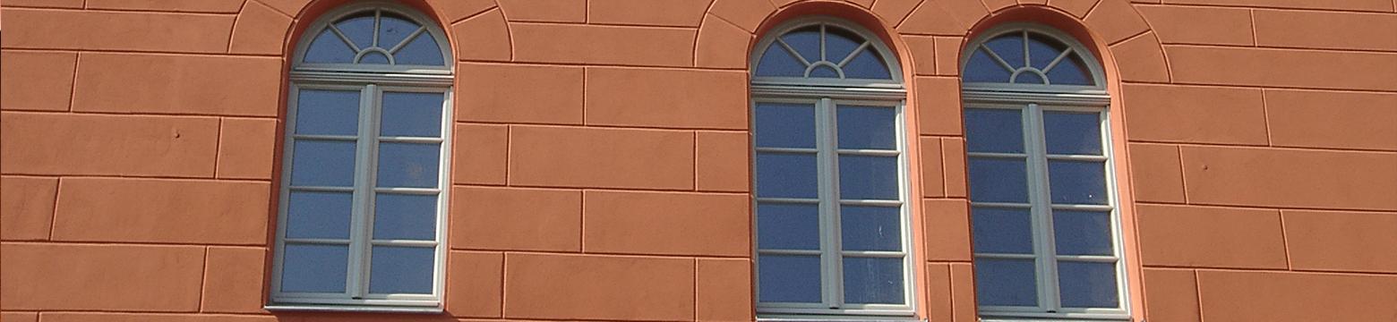 Fassade mit Bossenputz