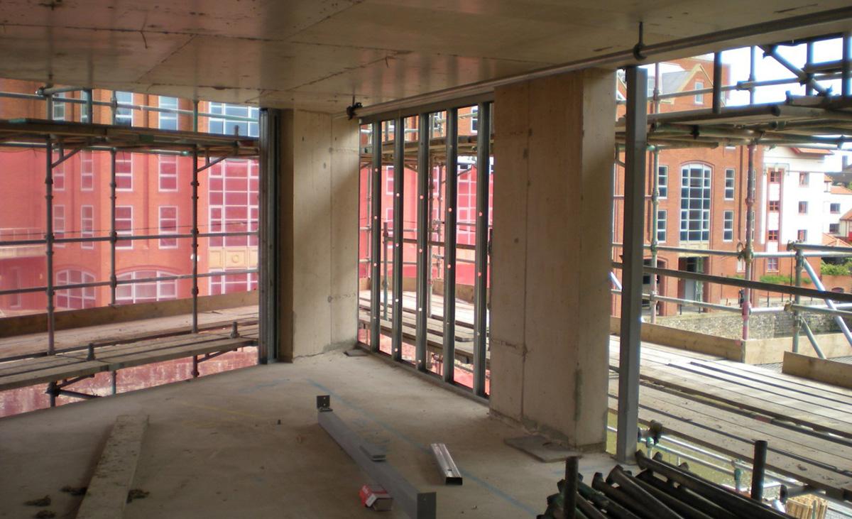 Fassadenausfachungen mit Protektor Stahlleichtbau in der Innenansicht