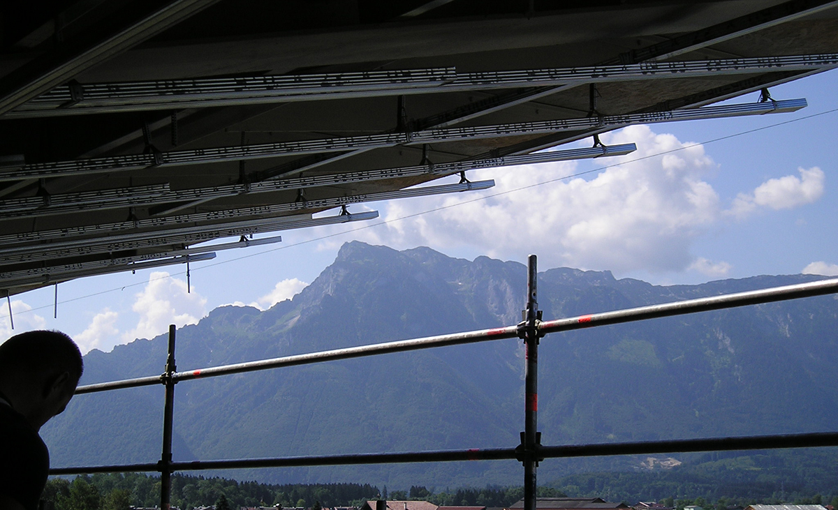 Stahlleichtbau Weitspannträger im Einsatz auf der Baustelle.