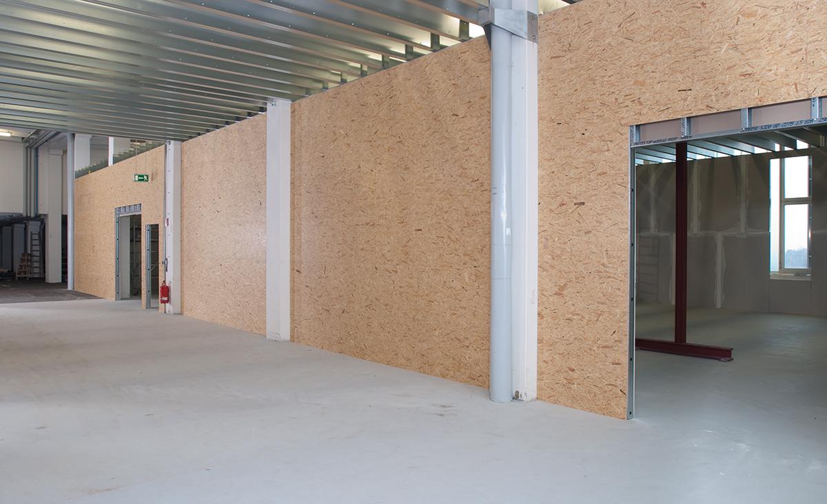 Hallenkonstruktion aus Stahlleichtbauprofilen