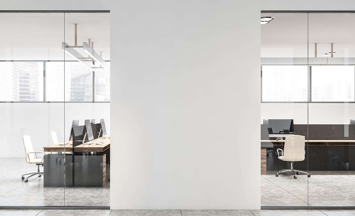 Hohe, tragende Büroabtrennung aus Stahlleichtbau